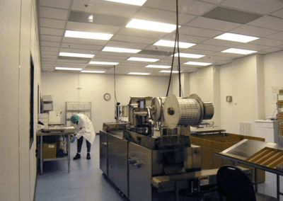 Cleanroom Enclosing Production Machinery
