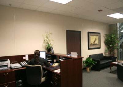 Modular Office Walls Create An Attractive Reception Area